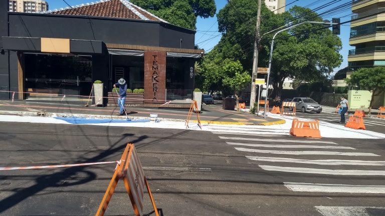 Além da pintura em parte da rua, estão previstas a instalação de equipamentos de ginástica, parklet e outras surpresas