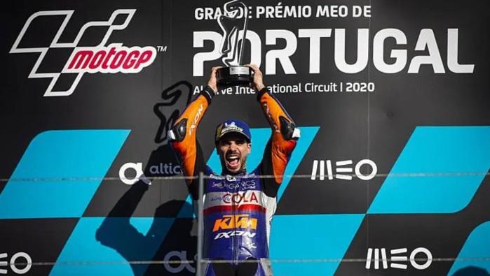Em casa, Miguel Oliveira vence etapa de Portugal; Morbidelli é vice na MotoGP