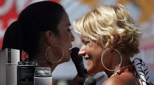 Ivete e Xuxa durante o carnaval de Salvador em 2006