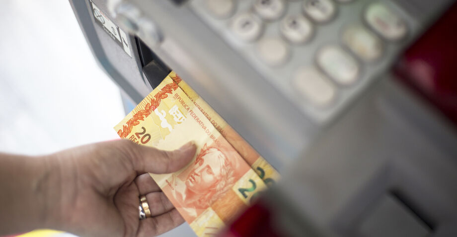 Os recursos referentes a folha salarial de novembro somam R$ 514,3 milhões segundo a Secretaria de Estado de Administração e Desburocratização (SAD)