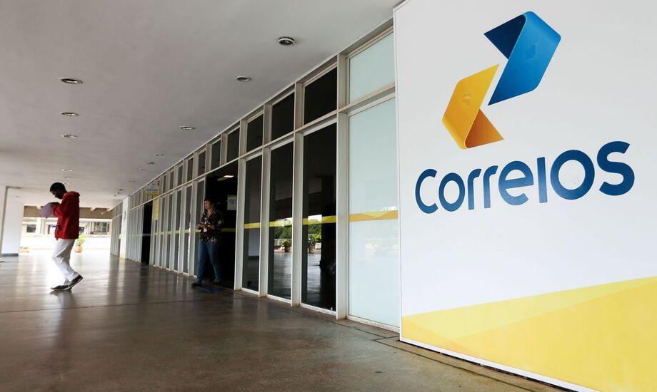 Empresa suspeita de superfaturamento é escolhida para avaliar venda dos Correios