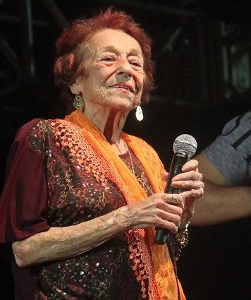 Final do Festival On-Line da Melhor Idade terá participação da cantora Delinha