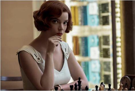Anya Taylor-Joy interpreta a enxadrista Beth Harmon em 'O Gambito da Rainha'
