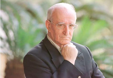 O ensaísta português Eduardo Lourenço em São Paulo, em 2000