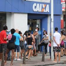 Movimento em agência da Caixa do Rio, durante o pagamento do auxílio emergencial