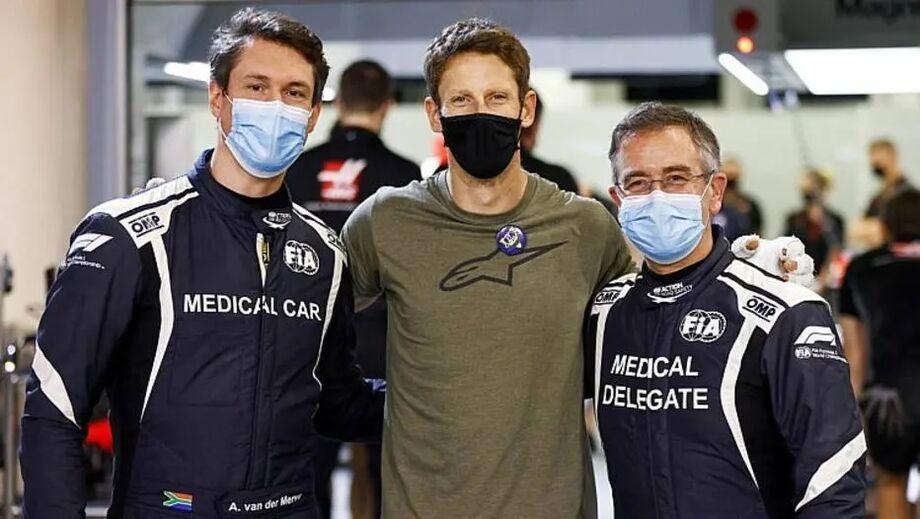 Grosjean reencontra socorristas no autódromo de Sakhir