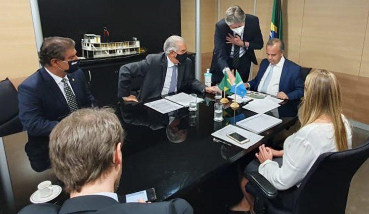 O governador Reinaldo Azambuja, acompanhado do Secretário Jaime Verruck, apresentou ao ministro do Desenvolvimento Regional, Rogério Marinho, uma proposta de criação de uma linha de crédito específica para o Pantanal