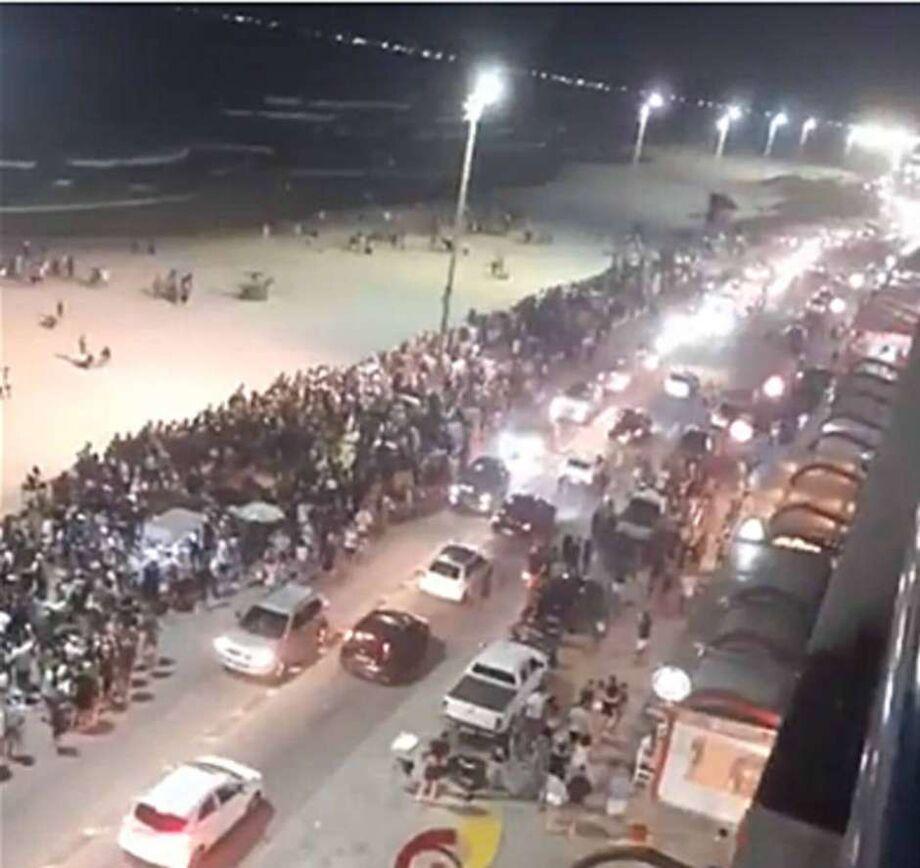 Em meio a um crescimento no número de casos e mortes por covid-19 no Brasil, grandes aglomerações foram registradas no Rio
