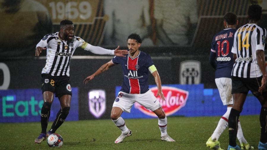 PSG vence Angers e dorme na liderança do Campeonato Francês