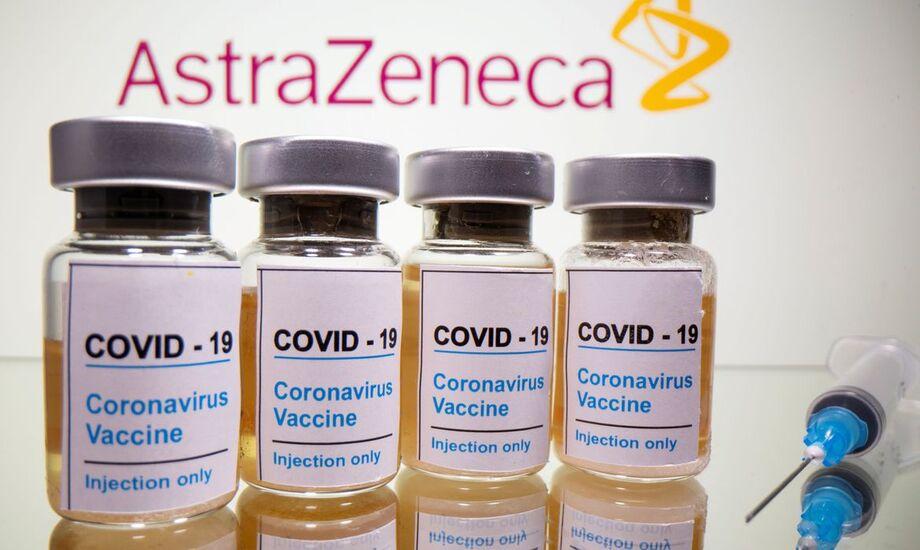 Vacina de Oxford produzido em parceria com o Laboratório Astrazeneca