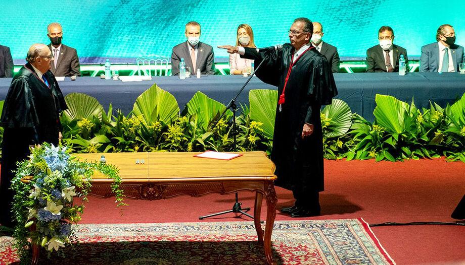 O desembargador Carlos Eduardo Contar tomou posse como presidente do Tribunal de Justiça de Mato Grosso do Sul (TJ-MS)