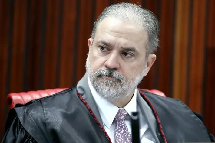 O procurador-geral da República Augusto Aras durante sessão do Tribunal Superior Eleitoral (TSE).