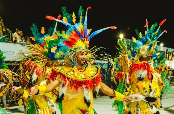 O carnaval é uma festa que movimenta a economia do Estado