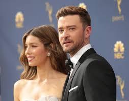 Jessica Biel e Justin Timberlake chegam ao Primetime Emmy Awards, em 2018