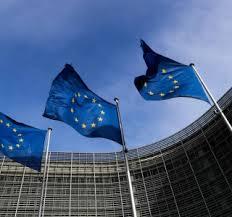 Autoridades da UE reforçam compromisso com euro forte e emissão de títulos verdes