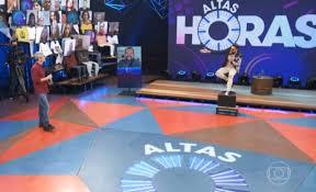 O cantor Latino referiu-se a Babu Santana como 'Tim Maia brasileiro' e despertou reações de internautas