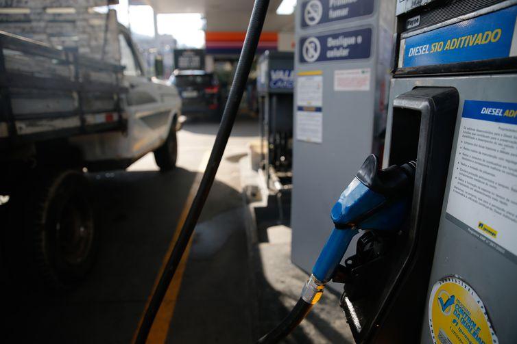 O Brasil foi um dos países onde o preço do óleo diesel nos postos mais subiu desde outubro do ano passado