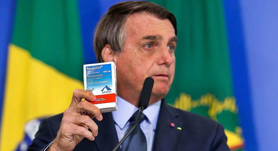 Presidente Jair Bolsonaro insiste em recomendar tratamento ineficaz contra a Covid-19