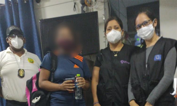 Jovem já está com autoridades bolivianas e deve ser repatriada