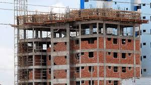 Falta ou alto custo de insumos atinge metade da indústria da construção
