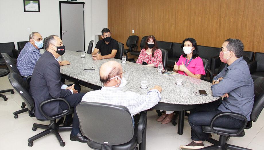 A Comissão se reuniu na primeira reunião