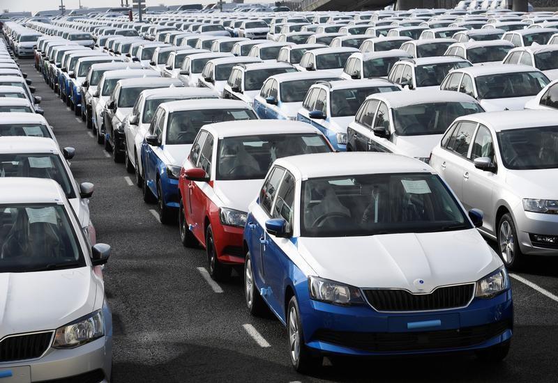 Com dólar alto, importadores de carros fecham 2020 com queda de 20,7% nas vendas