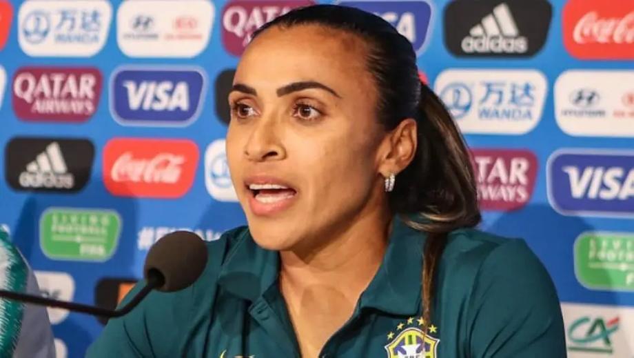 Questão do Enem sobre Marta e Neymar recebeu críticas de Bolsonaro