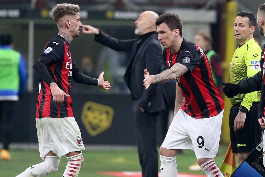 Milan perde em casa