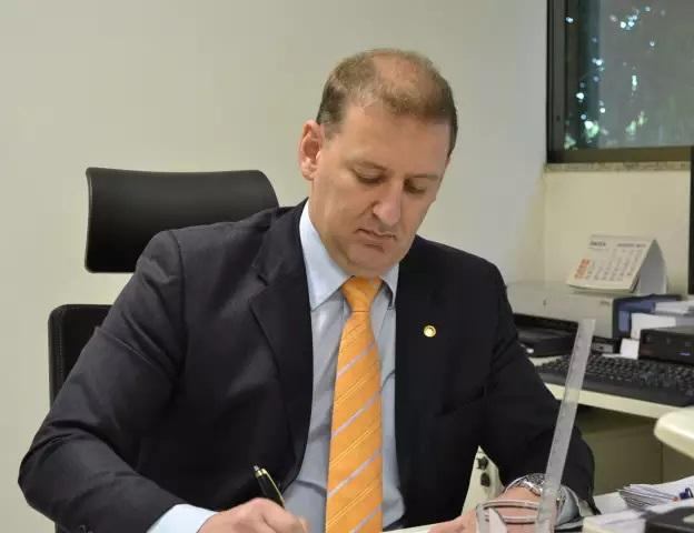 O juiz diretor do Foro da comarca de Campo Grande, Flávio Saad Peron deixa o cargo e passa a integrar a equipe de juízes auxiliares da nova vice-presidência do TJMS.