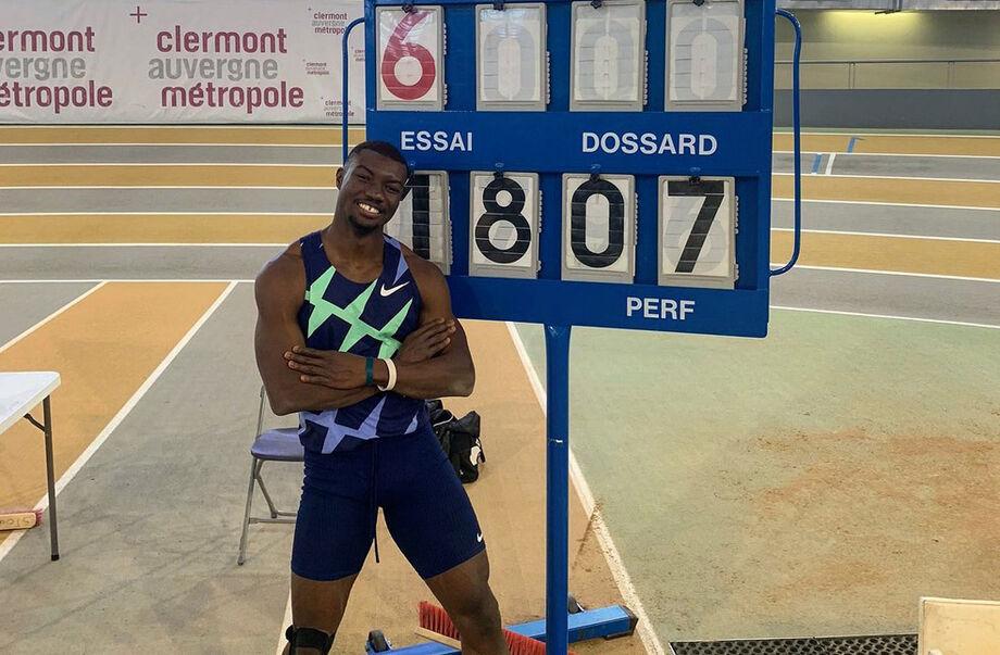 O atleta Hugues Fabrice Zango bateu o recorde mundial indoor do salto triplo, ao alcançar a marca de 18,07 metros