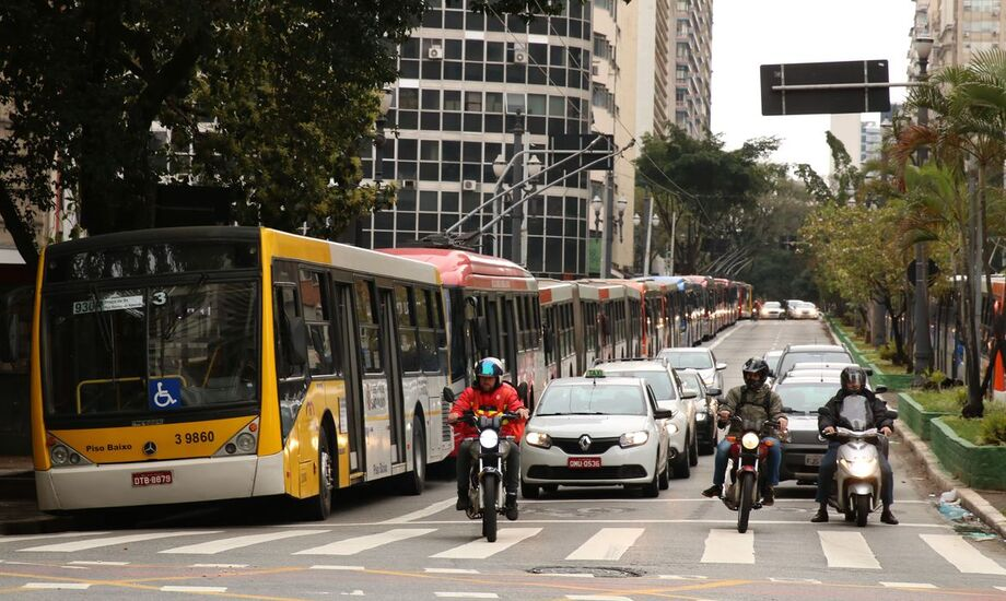 As famílias brasileiras gastaram 1,36% a mais com Transportes em dezembro