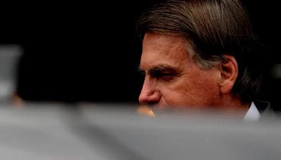 Bolsonaro almoça em um restaurante, neste mês, no DF; presidente vê aumentar investidas por impeachment