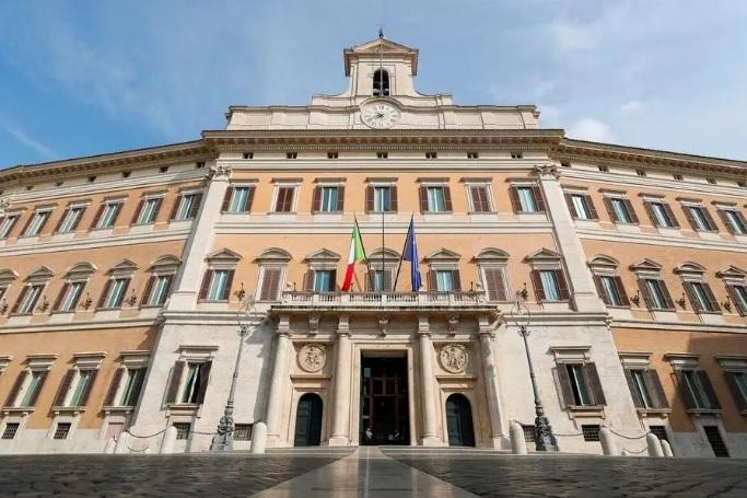 Ministros de partido governista renunciam e deflagram crise política na Itália