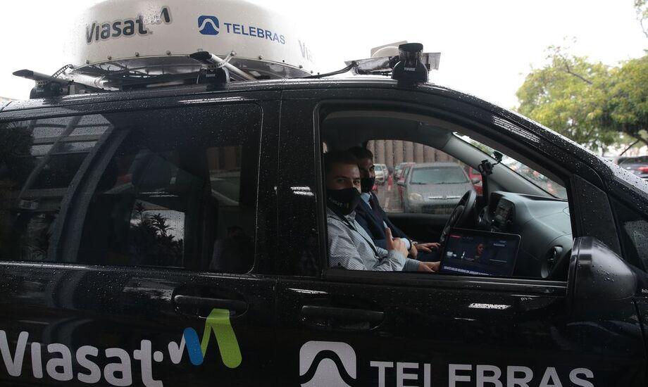 Protótipo de internet móvel via satélite para veículos