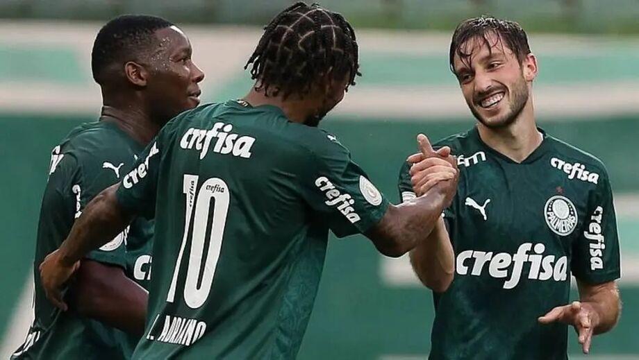 Viña marcou o primeiro gol do empate do Palmeiras com o Atlético-GO