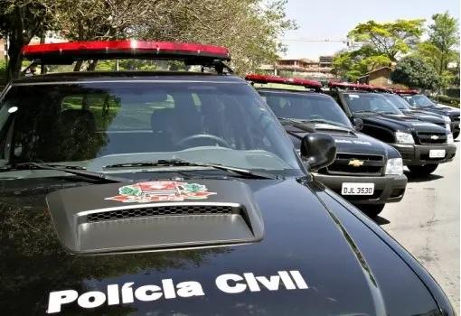 Carros da Polícia Civil