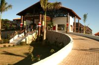 A fachada do Club House, que dispõe de bar, restaurante, vestiário, loja de artigos esportivos e con