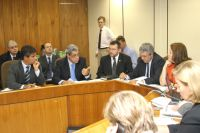 Durante o encontro, Puccinelli apresentou o modelo habitacional desenvolvido pelo Governo do Estado