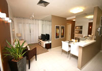 Ambiente é otimizado com móveis específicos para pequenos espaços