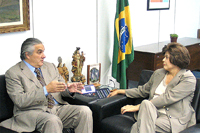 Delcídio do Amaral e a ministra-chefe da Casa Civil Dilma Roussef, durante audiência no Palácio do P