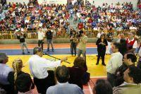 Governador em ginásio da cidade de Guia Lopes da Laguna