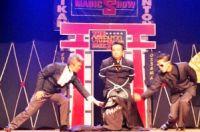 Oriental Magic Show é um grupo de três mágicos brasileiros especializados no ilusionismo formado em