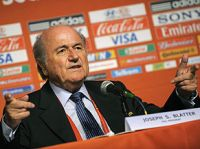 Blatter durante coletiva na Cidade do Cabo