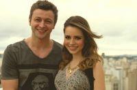 Ao lado do marido, Lucas Lima
