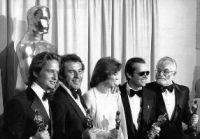 Em 1976, os vencedores do Oscar (da esq. para dir.) Michael Douglas, Milos Forman, Louise Fletcher,