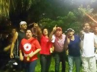 Integrantes da Igrejinha protestando