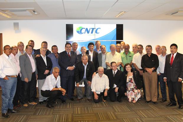 Nova diretoria da CNTC eleita ontem em Brasilia tem sindicalistas de MS