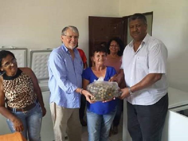 O deputado João Grandão (PT/MS) e o deputado federal Zeca do PT estiveram no município de Anastácio visitando o Grupo de Produção Sustentável.