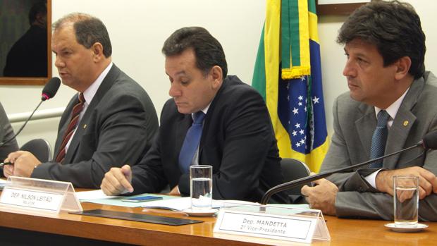 """""""Vamos trabalhar juntos ao relator coletando todos os materiais para esclarecermos e propormos politicas indigenistas sérias. Precisamos pacificar a questão fundiária no Brasil."""",  mMandetta"""