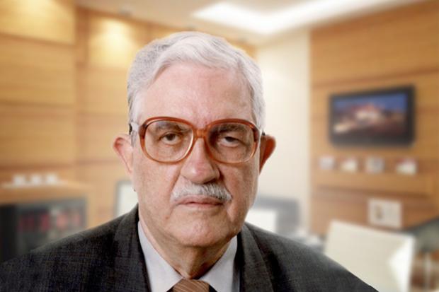 Formado em Administração de Empresas e em técnico em mecânica, o empresário Milton Insuela Pereira nasceu no dia 24 de abril 1930 na cidade de São Paulo (SP) e atualmente reside em Campo Grande (MS), onde fundou a primeira fabricante da Coca-Cola do Estad